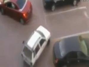 Смях! Това паркиране трябва да го видите!